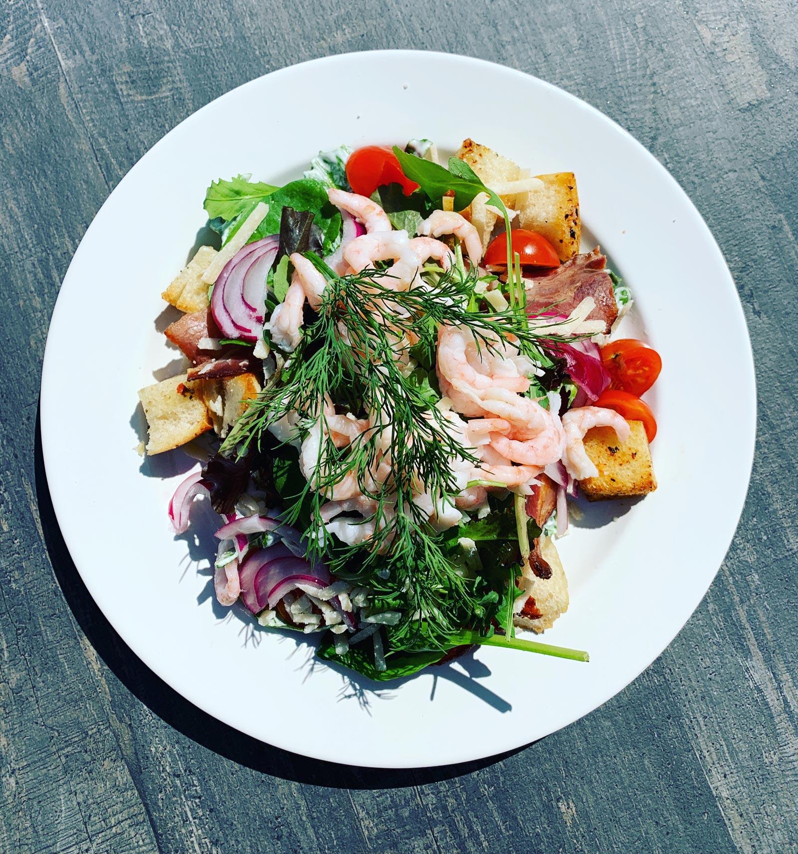 Räksallad med färska räkor - lunch på Fiskhuset