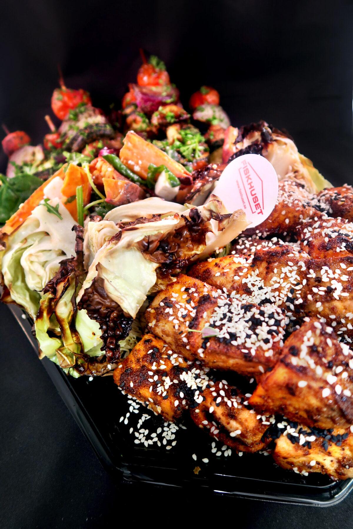 Lunch-buffé för flexitarian i Göteborg. Fisk, bläckfisk och grönsaker fullpackade med smak.
